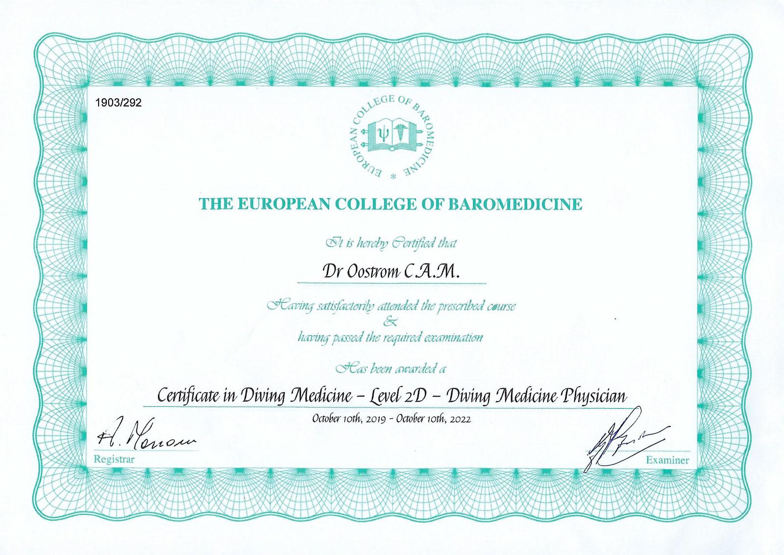 Dr. Oostrom behaalt diploma gespecialiseerd duikerarts